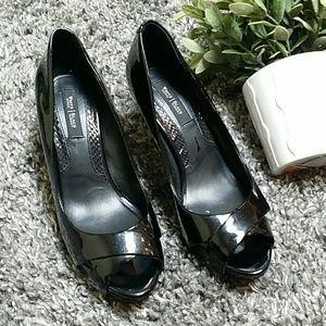 White House Black Market heels 7 1/2